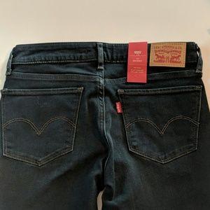NWT Levi's 711 skinny, 26x30,blue, mid rise